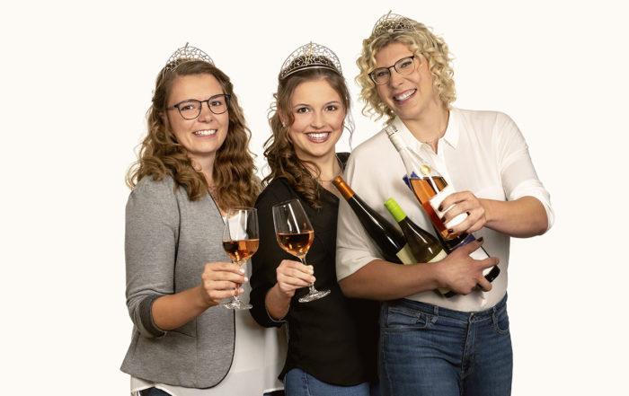 Weinkoeniginnen Gruppenbild